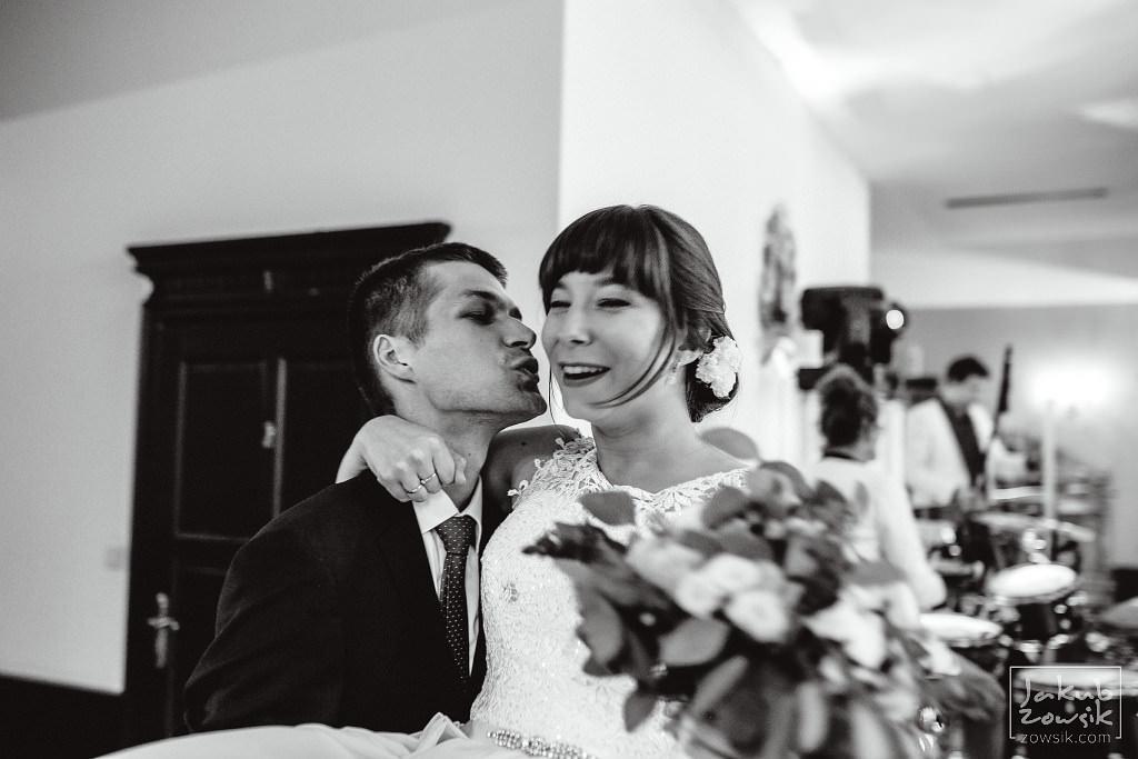 Asia & Rafał - Zdjęcia ślubne Bełchatów - Reportaż 79