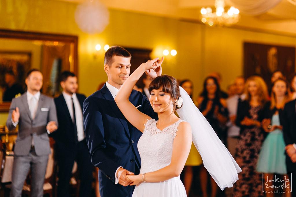 Asia & Rafał - Zdjęcia ślubne Bełchatów - Reportaż 83
