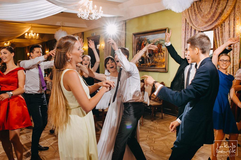 Asia & Rafał - Zdjęcia ślubne Bełchatów - Reportaż 85