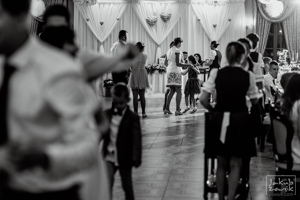Asia & Rafał - Zdjęcia ślubne Bełchatów - Reportaż 97