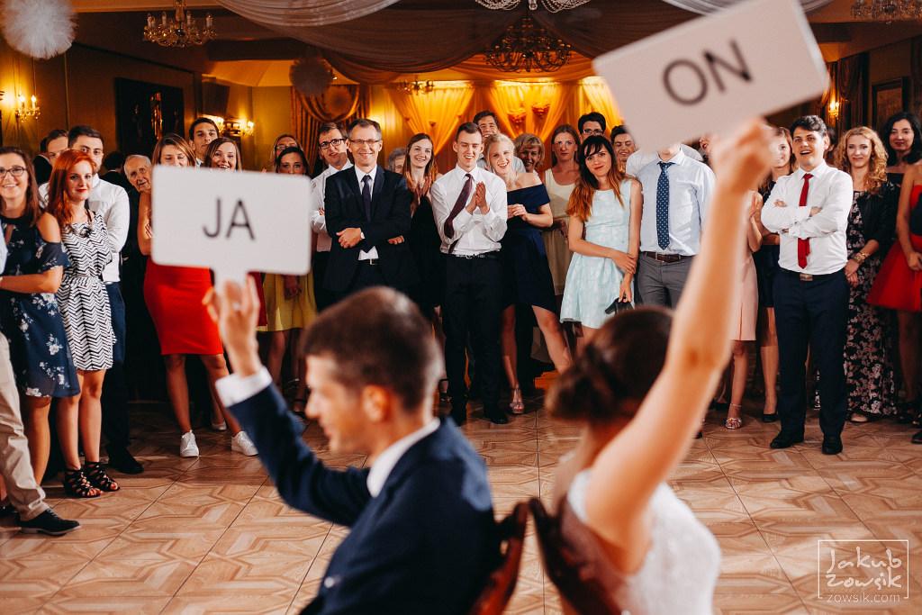 Asia & Rafał - Zdjęcia ślubne Bełchatów - Reportaż 131