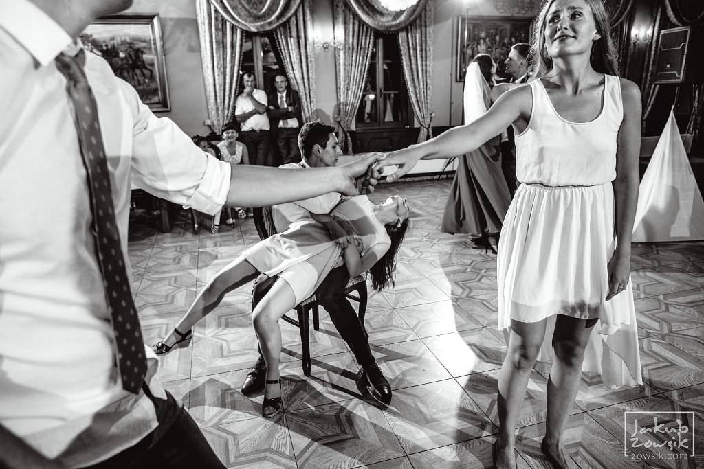 Asia & Rafał - Zdjęcia ślubne Bełchatów - Reportaż 137