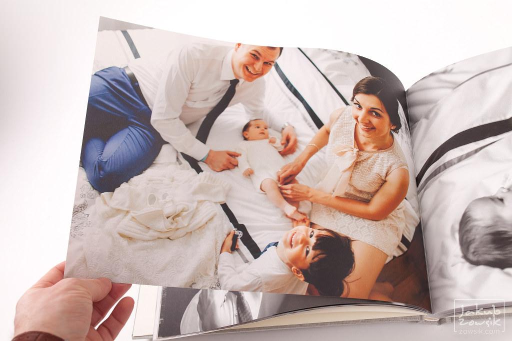 Zdjęcia z chrzcin Marietki w wyjątkowej oprawie! Fotoksiążka PRO Classic na papierze Mohawk Eggshell 17