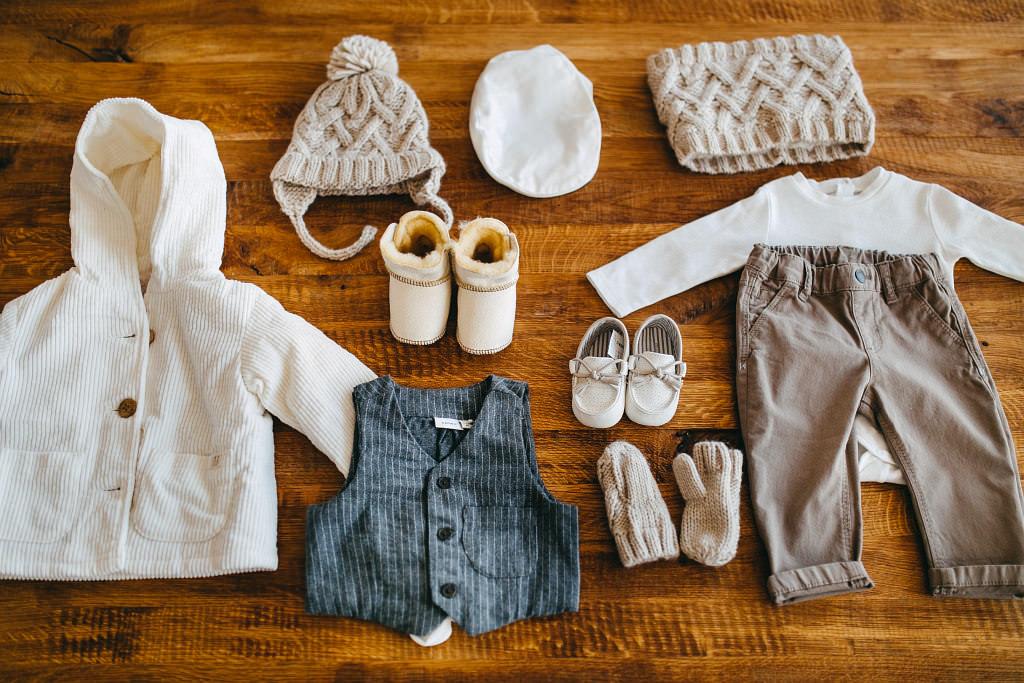 Niezwykle piękne ubranka do chrztu, mokasyny i body – Mayoral, spodnie – s.Oliver, kamizelka – name It, kurteczka, komin, czapka – Zara, zimowe butki – DearEco