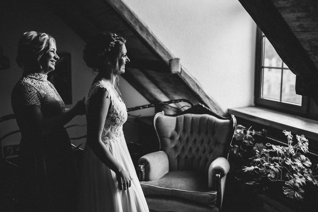 Paula & Przemek | Dwór Sulejów plenerowe zdjęcia ślubne | Reportaż 18