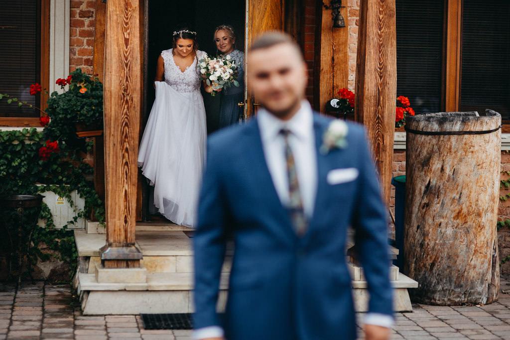 Paula & Przemek | Dwór Sulejów plenerowe zdjęcia ślubne | Reportaż 25