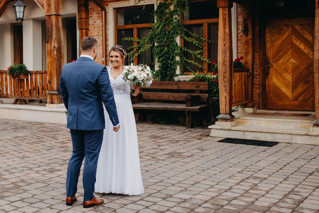 Paula & Przemek | Dwór Sulejów plenerowe zdjęcia ślubne | Reportaż 26
