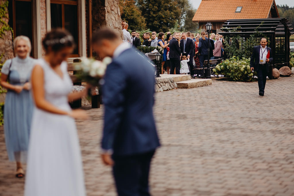 Paula & Przemek | Dwór Sulejów plenerowe zdjęcia ślubne | Reportaż 27