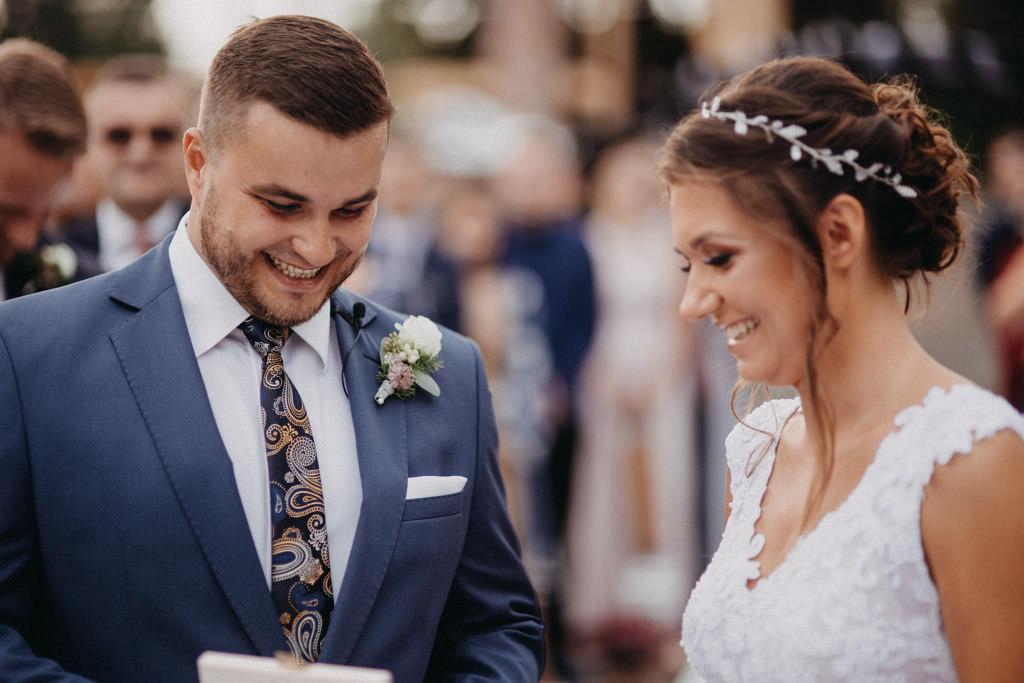 Paula & Przemek | Dwór Sulejów plenerowe zdjęcia ślubne | Reportaż 34