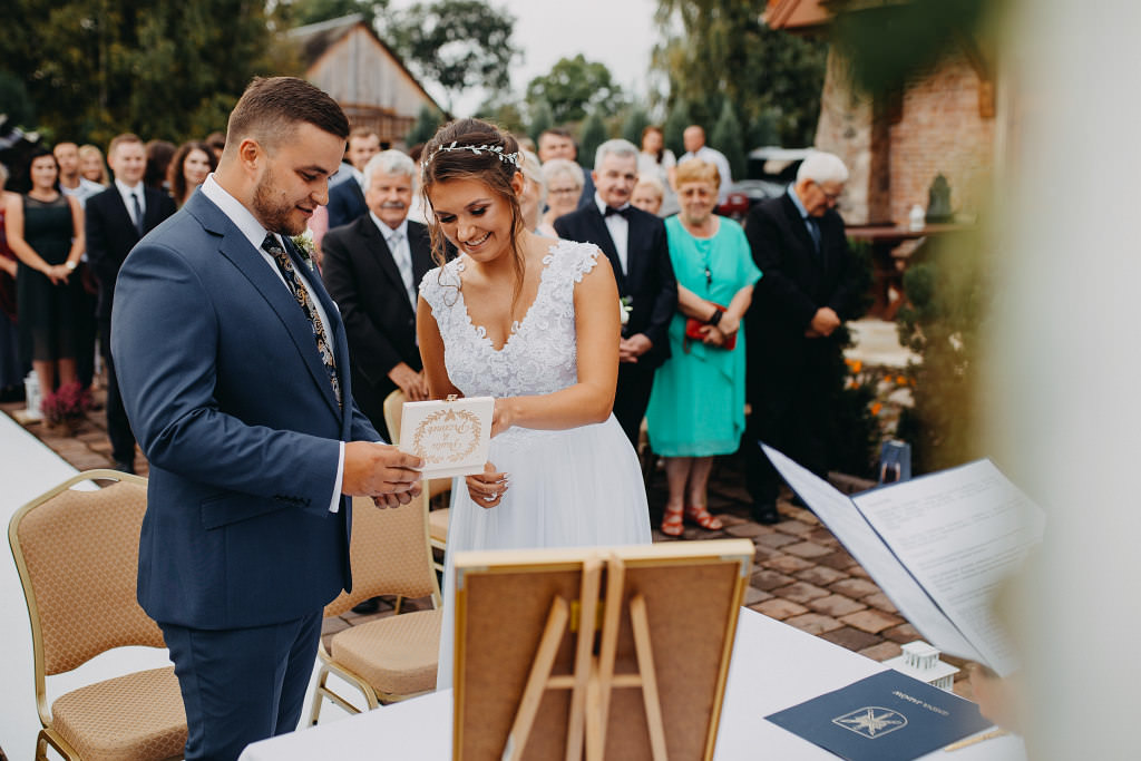 Paula & Przemek | Dwór Sulejów plenerowe zdjęcia ślubne | Reportaż 35