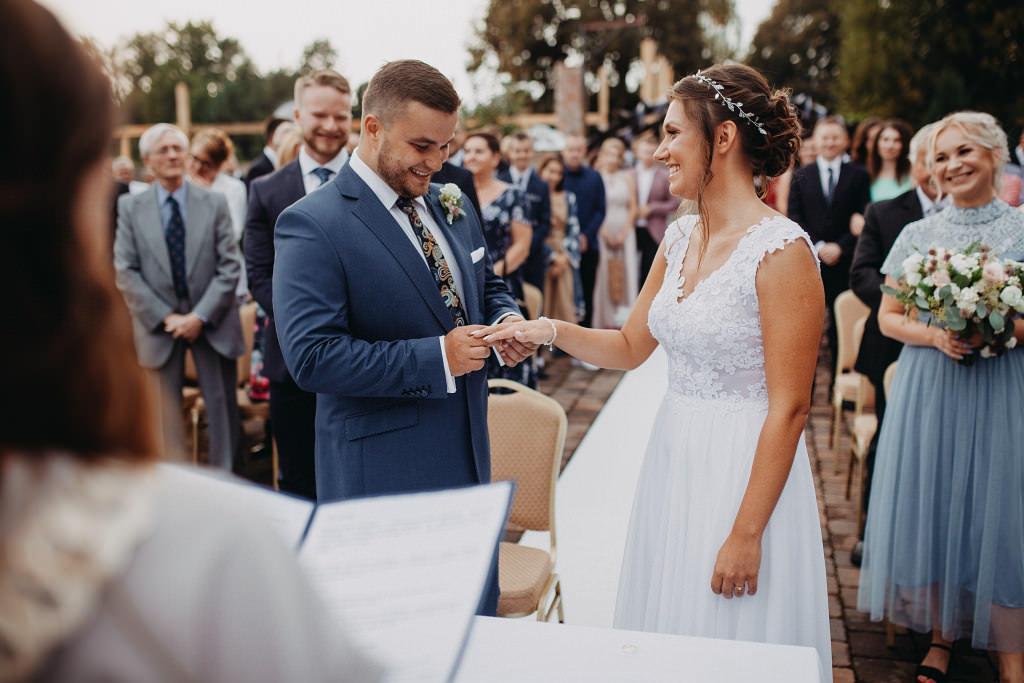 Paula & Przemek | Dwór Sulejów plenerowe zdjęcia ślubne | Reportaż 36
