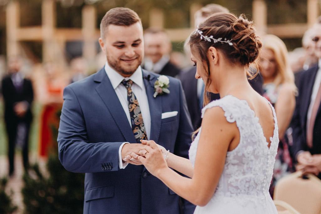 Paula & Przemek | Dwór Sulejów plenerowe zdjęcia ślubne | Reportaż 37