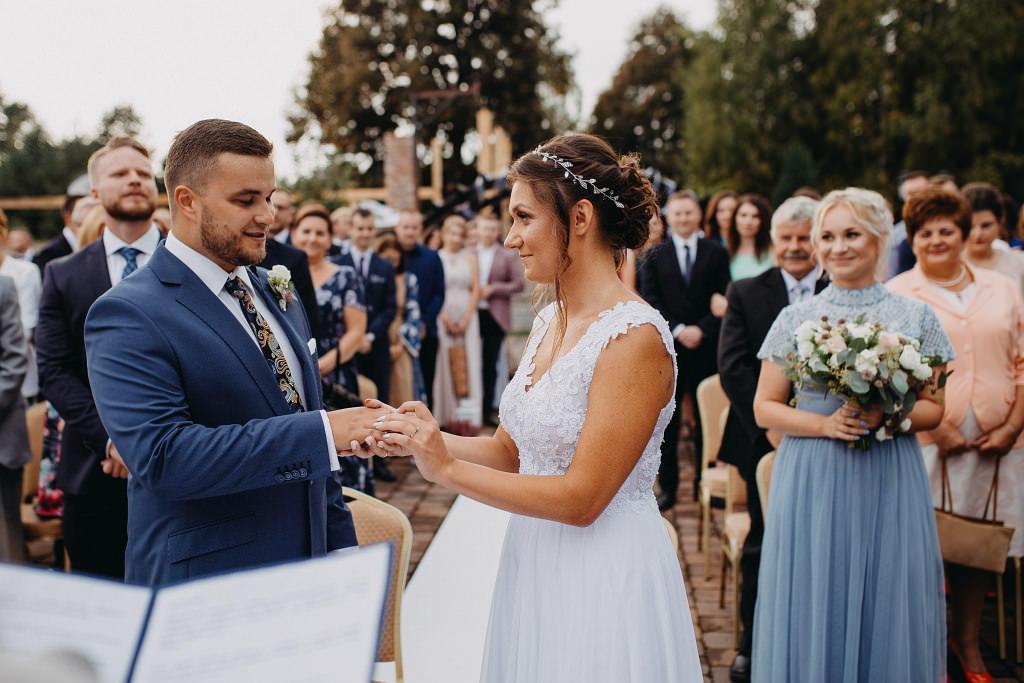 Paula & Przemek | Dwór Sulejów plenerowe zdjęcia ślubne | Reportaż 38