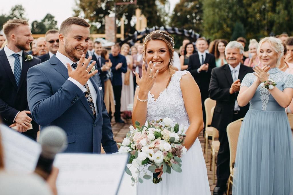 Paula & Przemek | Dwór Sulejów plenerowe zdjęcia ślubne | Reportaż 43