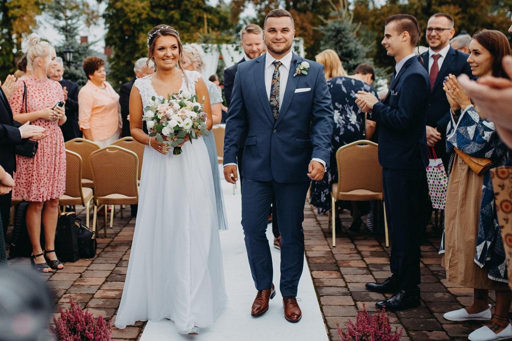 Paula & Przemek | Dwór Sulejów plenerowe zdjęcia ślubne | Reportaż 49