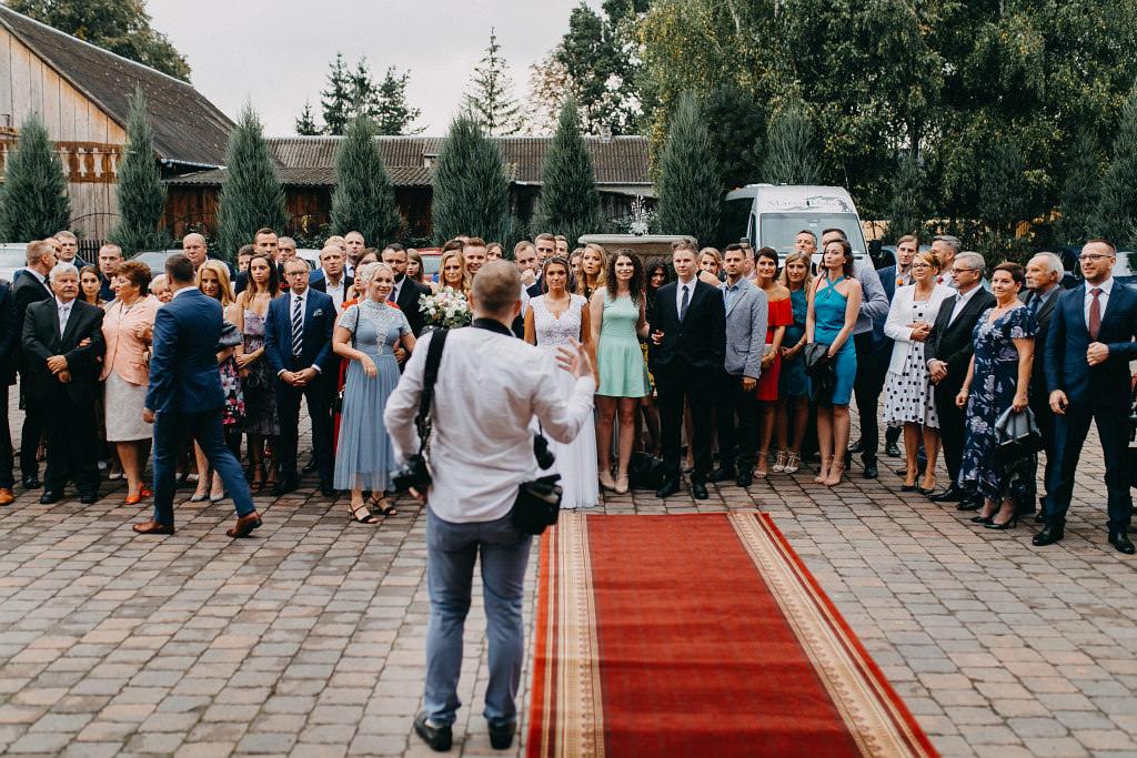 Paula & Przemek | Dwór Sulejów plenerowe zdjęcia ślubne | Reportaż 59