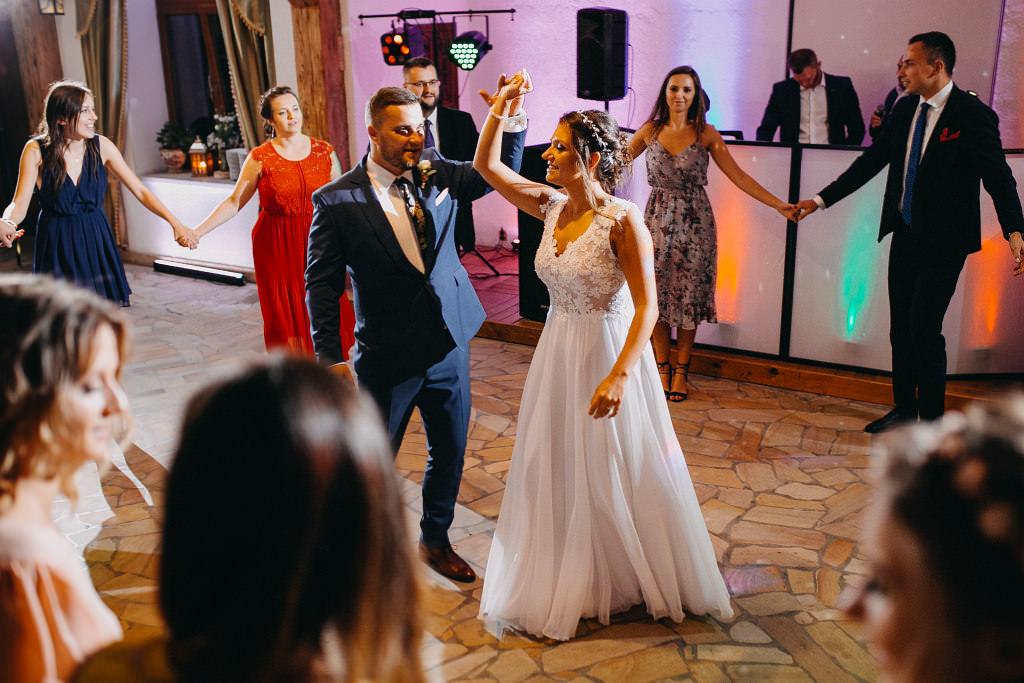 Paula & Przemek | Dwór Sulejów plenerowe zdjęcia ślubne | Reportaż 73