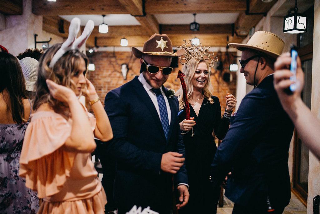 Paula & Przemek | Dwór Sulejów plenerowe zdjęcia ślubne | Reportaż 83