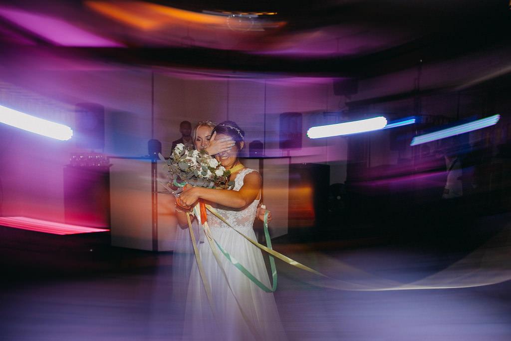 Paula & Przemek | Dwór Sulejów plenerowe zdjęcia ślubne | Reportaż 96