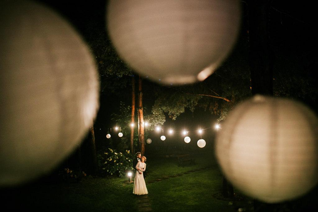 Śliczny nocny plener ślubny - Sala Pod Aniołami