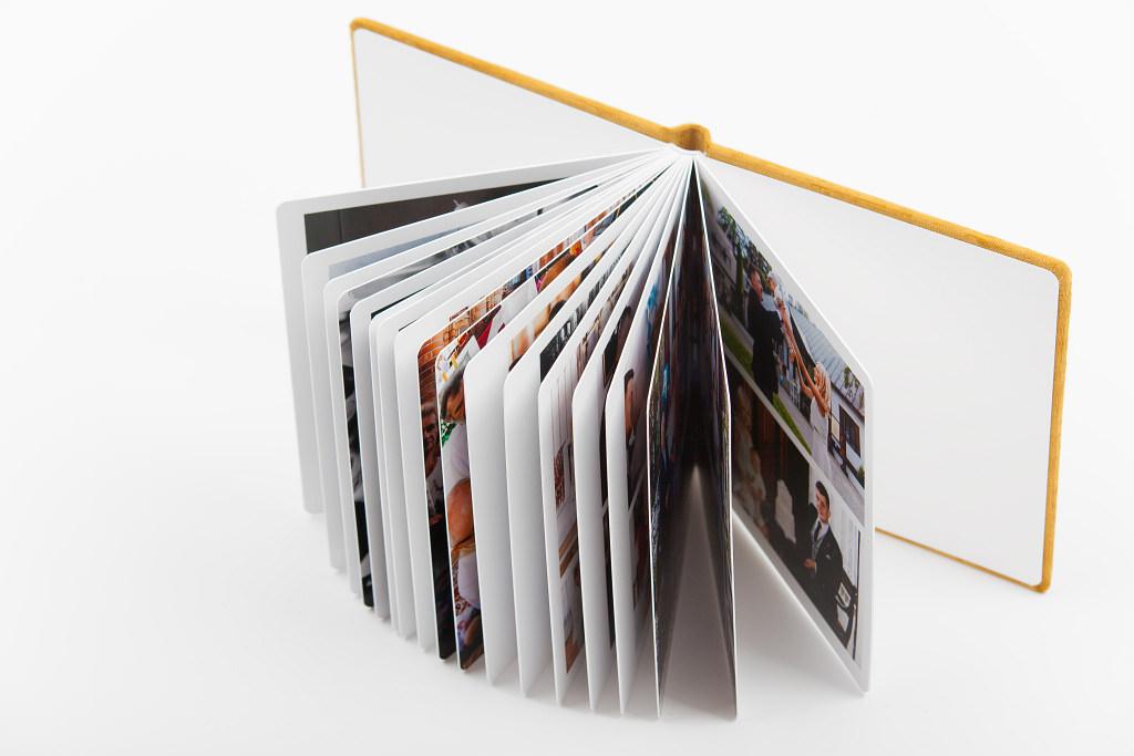 Piękny album z chrzcin Antoniego, w aksamitnej oprawie. Na zdjęciach i filmie. 13