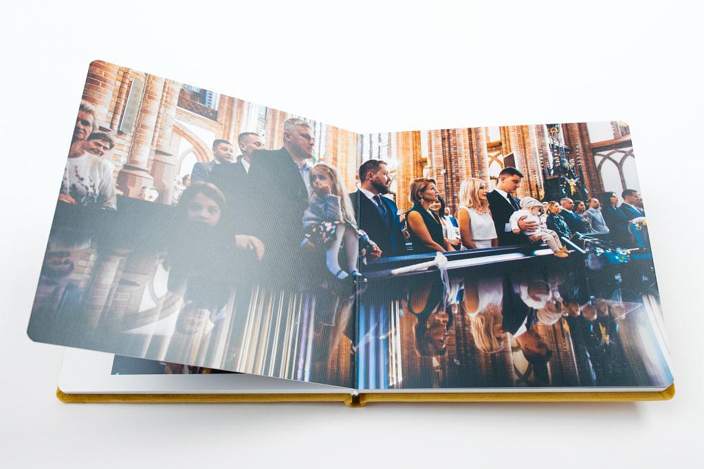 Piękny album z chrzcin Antoniego, w aksamitnej oprawie. Na zdjęciach i filmie. 20