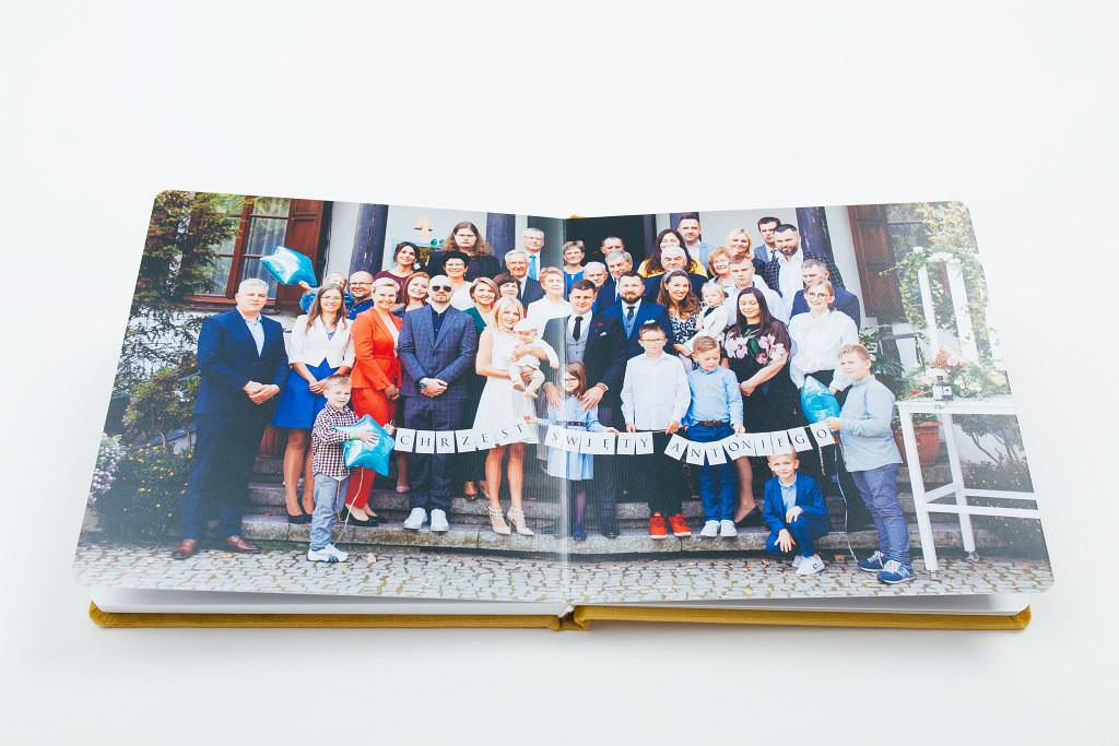 Piękny album z chrzcin Antoniego, w aksamitnej oprawie. Na zdjęciach i filmie. 22