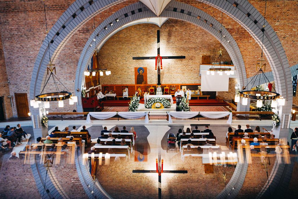 Chrzest Święty w Kościele pw. Podwyższenia Krzyża Świętego (ul. Słomiana 2/4 Warszawa (Bemowo, Jelonki))