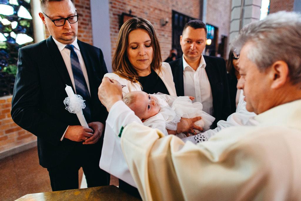 Ada | Chrzest Warszawa Ochota | Fotograf na chrzciny 33