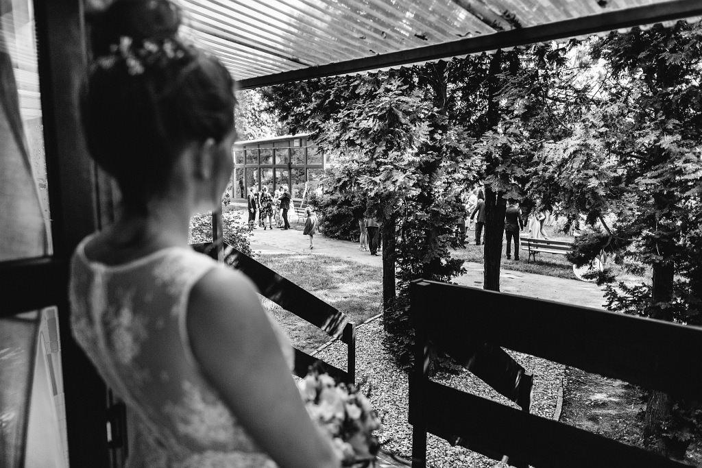 Kamila & Wojtek | Pomiechówek Zacisze Anna Korcz | Zdjęcia ślubne | Ślub plenerowy 31