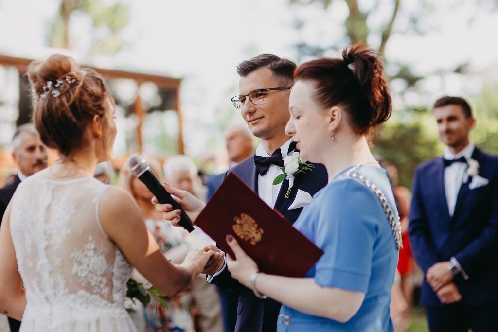 Kamila & Wojtek | Pomiechówek Zacisze Anna Korcz | Zdjęcia ślubne | Ślub plenerowy 42