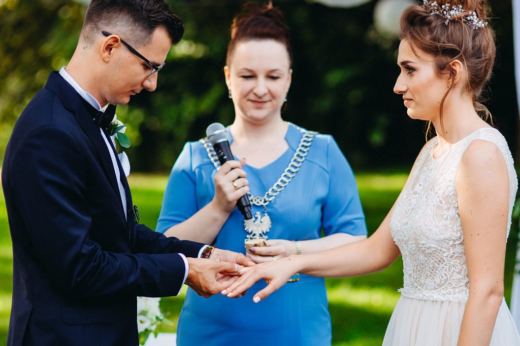 Kamila & Wojtek | Pomiechówek Zacisze Anna Korcz | Zdjęcia ślubne | Ślub plenerowy 45